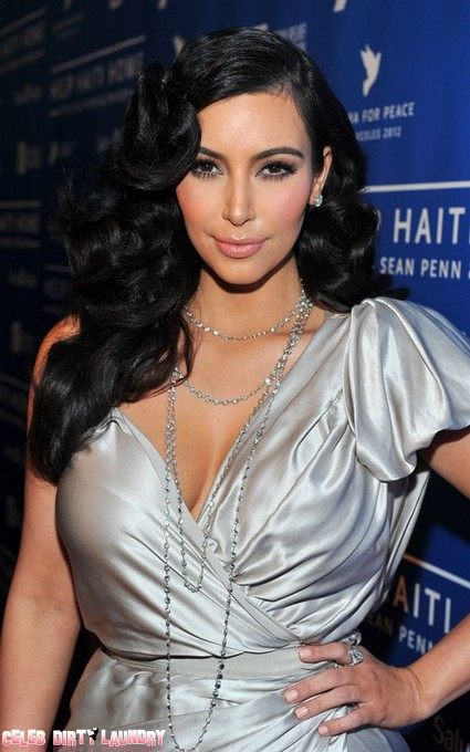 Kim Kardashian Lends Haiti A Helping Hand (Photo)