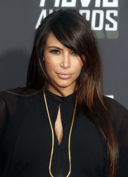 Kanye West Choosing Paris Over Kim Kardashian, Couple Fighting Over Where To Live 0415