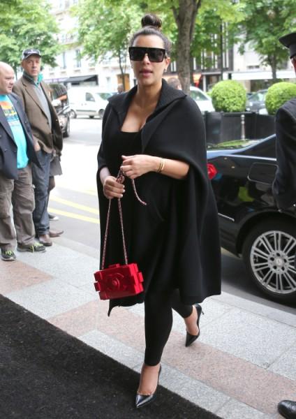 Kim Kardashian Selfish For Taking Baby On Kanye West Tour, Slams Kourtney Kardashian 0523