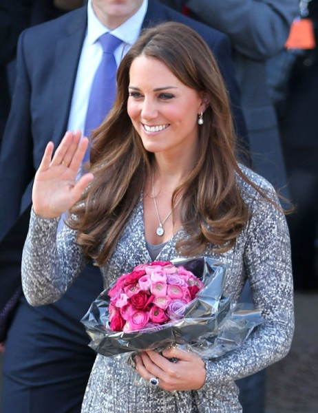 Kate Middleton Portrait Secretly Recommissioned To Make Her Look Softer And Prettier? 0304