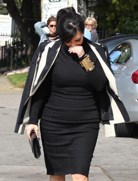 Kim Kardashian Enhancing Her Baby Bump To Gain Judge's Pity In Divorce? 0207