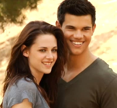 Taylor Lautner's Battle With Kirsten Stewart Is His Favorite Scene