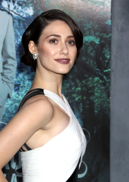 Emmy Rossum: Kristen Stewart Didn't Empower Women 0213