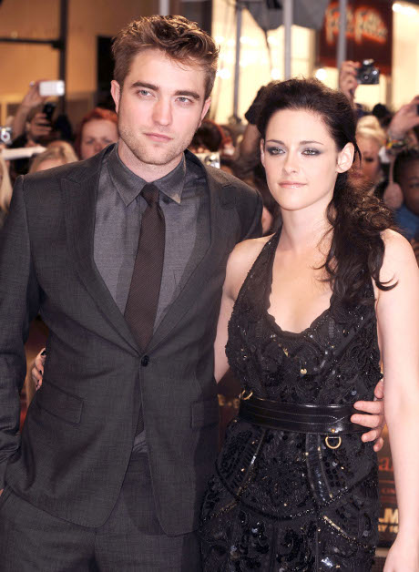 """Twilight: Breaking Dawn - Part 2"" Red Carpet Premiere Coverage -- Tune In 8 PM PST/11:00 PM PST! (Video)"
