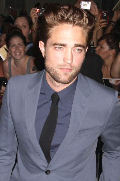 Robert Pattinson And Katy Perry Get 'Touchy-Feely' On Dinner Date 0830