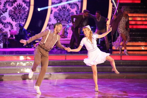 Lea Thompson & Artem Chigvintsev Dancing With the Stars Salsa Video Season 19 Week 6 10/20/14 #DWTS