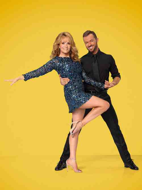Watch Lea Thompson & Artem Chigvintsev Dancing With the Stars Contemporary Video Season 19 Week 4