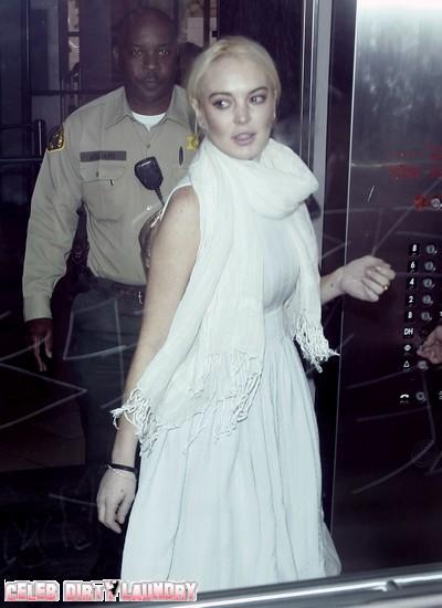 Lindsay-Lohan-Manager-Split