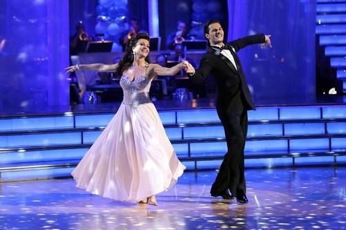 Lisa Vanderpump Dancing With the Stars Cha Cha Cha Video 4/8/13