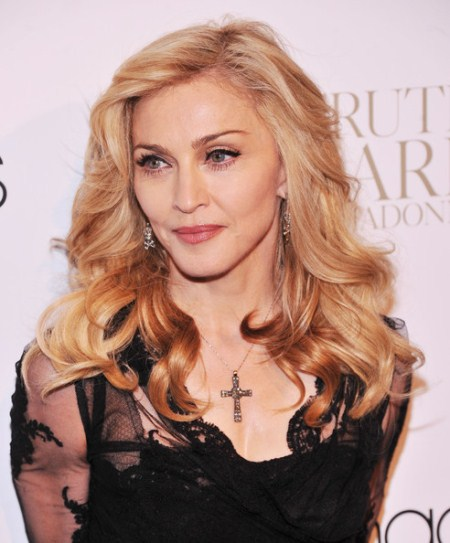 Madonna Wielding AK-47 Assault Rifle At Concert In Isreal