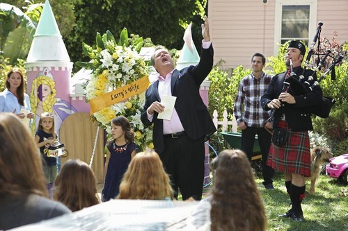 "Modern Family RECAP 9/25/13: Season 5 Premiere ""First Days"""