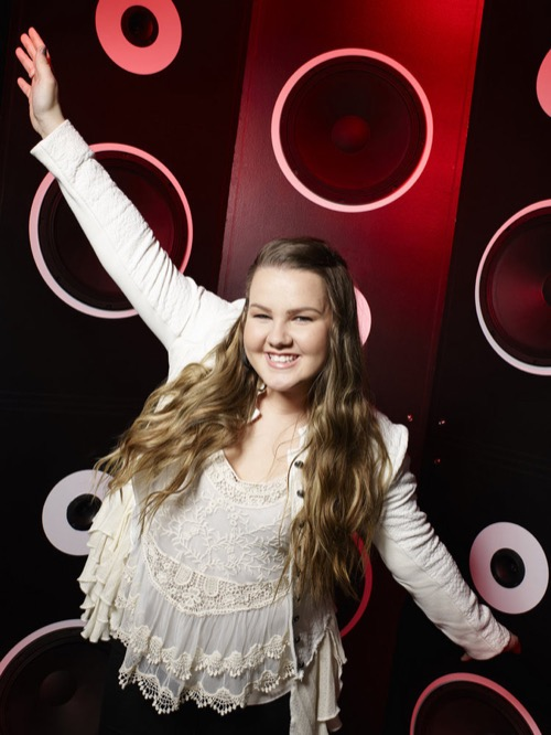 """WATCH Shelby Brown Perform """"Even God Must Get the Blues"""" on The Voice Top 9 Semifinals Video 12/7/15"""