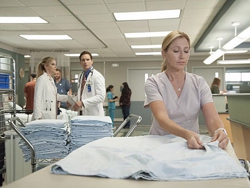 "Nurse Jackie Recap - Jackie's Revenge on Gloria: Season 7 Episode 2 ""Deal"""