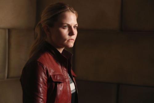 "Once Upon a Time Premiere Recap 9/25/16: Season 6 Episode 1 ""The Saviour"""