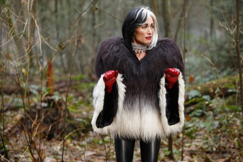 """Once Upon a Time Recap 4/3/16: Season 5 Episode 16 """"Our Decay"""""""