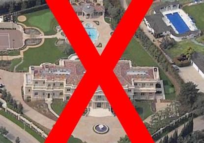 Hugh Hefner's Playboy Mansion Under Health Department Quarentine