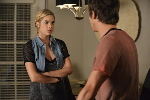 "Pretty Little Liars Recap - ""Over a Barrel"": Season 5 Episode 16"