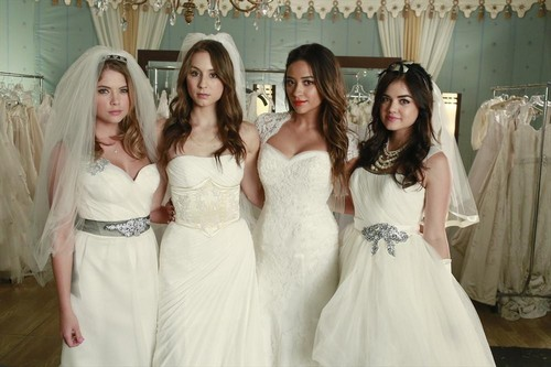 "Pretty Little Liars Season 4 Episode 22 Review: Spoilers Episode 23 ""Unbridled"""