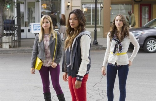 "Pretty Little Liars RECAP 8/27/13: Season 4 Finale ""Now You See Me, Now You Don't"""