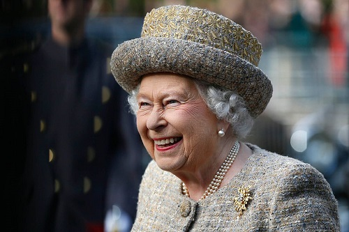 Queen Elizabeth Threatened to End Prince Charles and Camilla Parker-Bowles' Affair