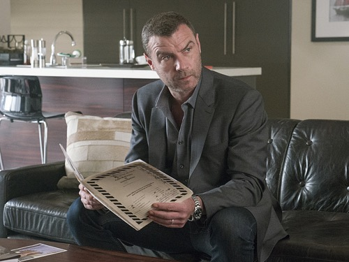 'Ray Donovan' Spoilers Season 4 Episode 7: Ray Desperate – Seeks Help From Nemesis - Old Scandal Threatens to Destroy Donovan Family