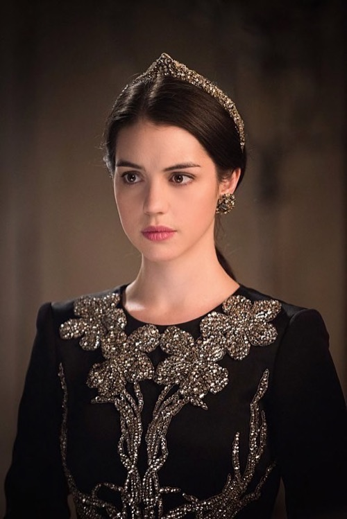 "Reign Recap 5/7/15: Season 2 Episode 21 ""The Siege"""