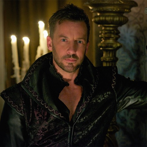 """Reign Recap - The Tiger, The Witch and The Pirate: Season 3 Episode 1 Premiere """"Three Queens, Two Tigers"""""""