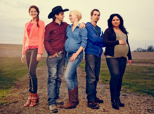Exclusive First Look at Breaking Amish Season 2 - E! Online