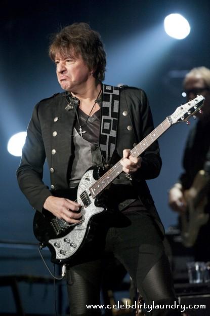 Bon Jovi's Richie Sambora On The Way To Rehab