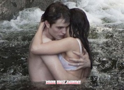 Video: Bella Swan & Edward Cullen's Breaking Dawn Sex Scene