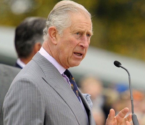 Queen Elizabeth Refuses To Abdicate, Doesn't Think Prince Charles Is Fit To Be King