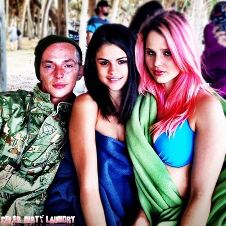 Selena Gomez Sexy Towel-Only Spring Breakers Photo