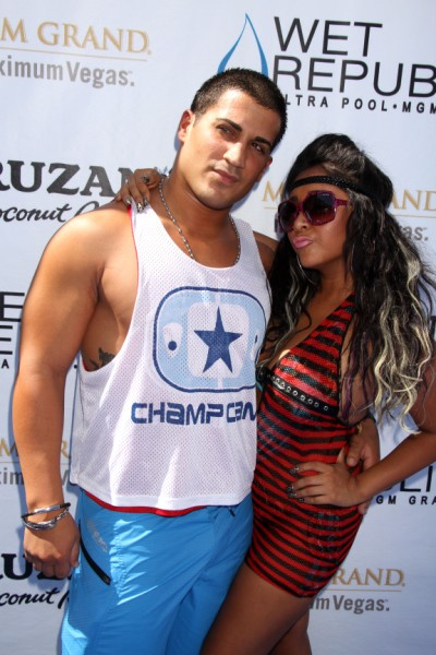 Report: Snooki Leaves Fiance Jionni LaValle And Baby Lorenzo To Party With Pals 1020