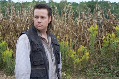 The Walking Dead Season 5 Spoilers: What Clues Told Us Eugene Was Lying?