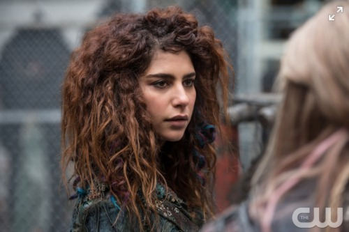 The 100 Spoilers: Return Of Luna Confirmed – Season 4 Premiere Will Be Insane – Nuclear Apocalypse Claims Bellamy's Life