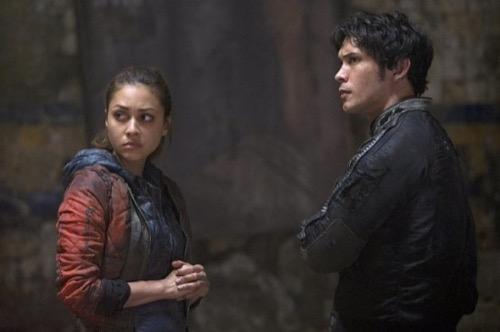"The 100 Recap - An Unsteady Alliance: Season 2 Episode 9 ""Remember Me"""