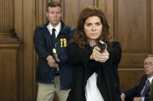 """The Mysteries of Laura Recap 5/20/15: Season 1 Finale """"The Mystery of the Corner Store Crossfire"""""""