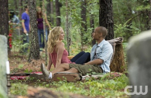 """The Vampire Diaries Season 5 Episode 4 REVIEW """"For Whom the Bell Tolls"""""""