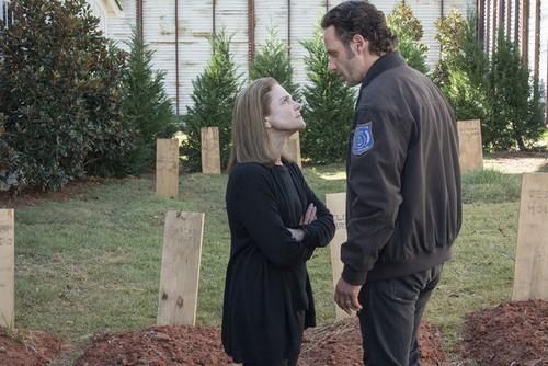 The Walking Dead Spoilers Season 5 Finale: Will Daryl Dixon Die, Major Death Revealed in Promos?