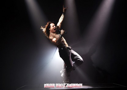 First Photo: Tom Cruise in 'Rock of Ages'