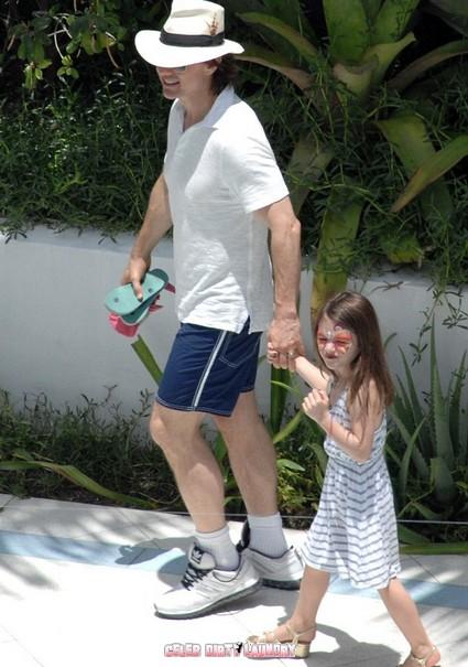 Tom Cruise Turns 49 – He Looks Pretty Good!