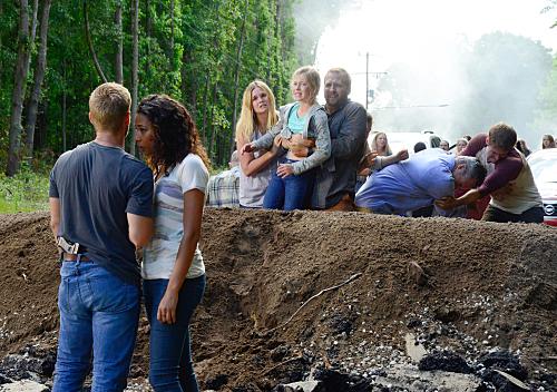 "Under the Dome Recap 7/30/15: Season 3 Episode 7 ""Ejecta"""