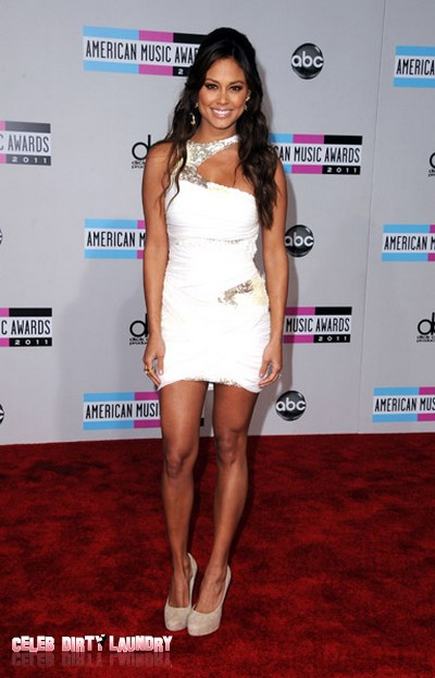 2011 American Music Award Red Carpet Arrival (Photos)