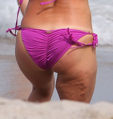 Hayden Panettiere Boob Job And Cellulite On Display On Beach Vacation (Photos) 0403