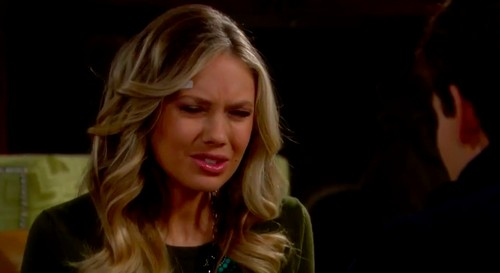 'The Young and the Restless' Spoilers: Sharon Caught Stealing Austin's Laptop - Kyle Casts Suspicion On Stitch