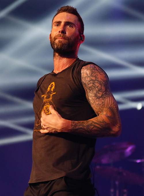 Adam Levine Skips Behati Prinsloo's Fashion Show, She Parties Night Away Without Him - Hot Couple On Verge Of Nasty Divorce?