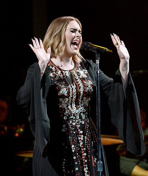 Adele Demands Assistant Make 140-Mile Run To Fetch Favorite Pizza: Media Darling Turning Into A Diva?