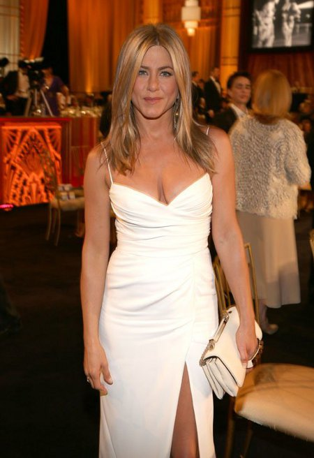 Jennifer Aniston Sizzles At Star Studded 2012 AFI Awards Without Justin Theroux By Her Side! (Photos)