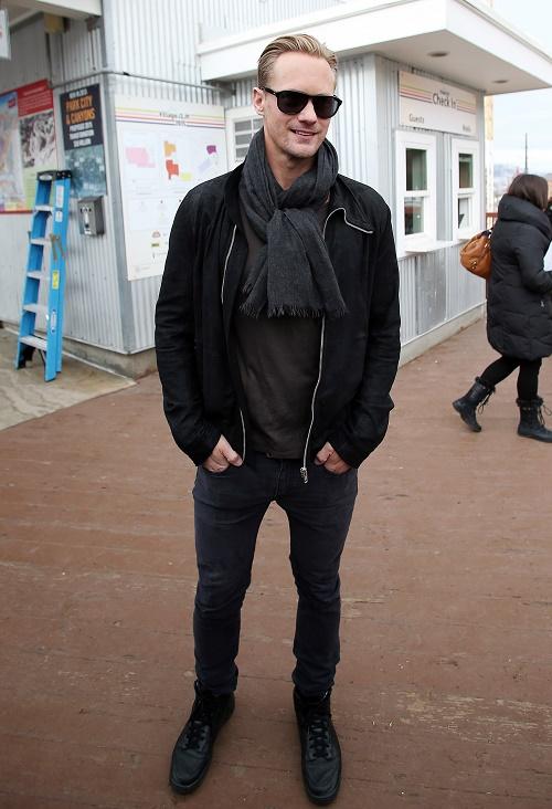 Alexander Skarsgard, Margot Robbie Dating Allegedly - Spotted Making Out At Sundance Film Festival!