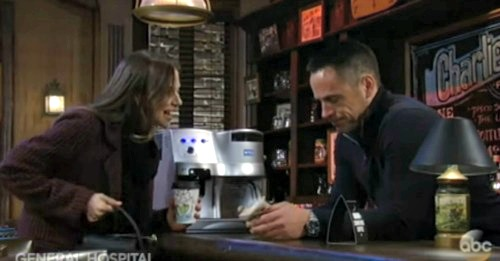 General Hospital Spoilers: Alexis Burns With Jealousy As Julian and Kim Get Close - Green-Eyed Monster Emerges